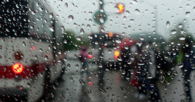 bus-in-the-rain